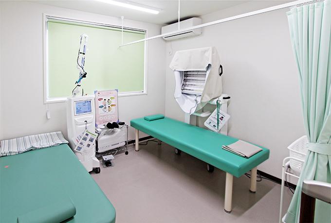 紫外線治療器や炭酸ガスレーザーなどをはじめとした、皮膚科疾患に有効な医療機器を導入しております。