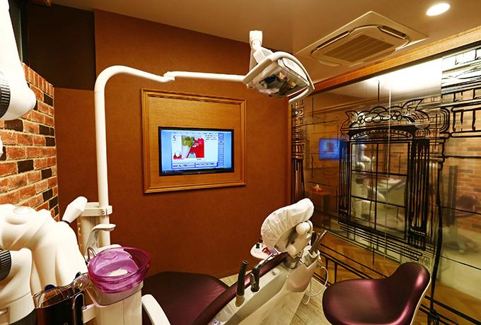一般歯科のお悩みはもちろん、口腔外科・予防歯科・小児歯科・審美歯科・矯正歯科まで幅広く診療しております。